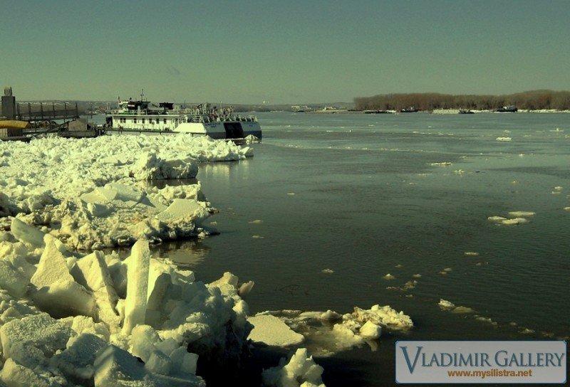 Дунав през зимата