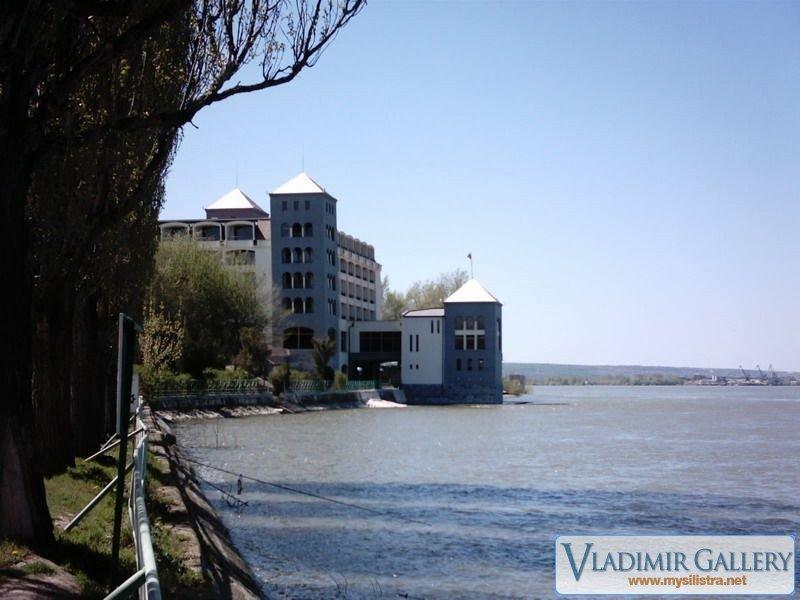 Дунава и Хотел Дръстър