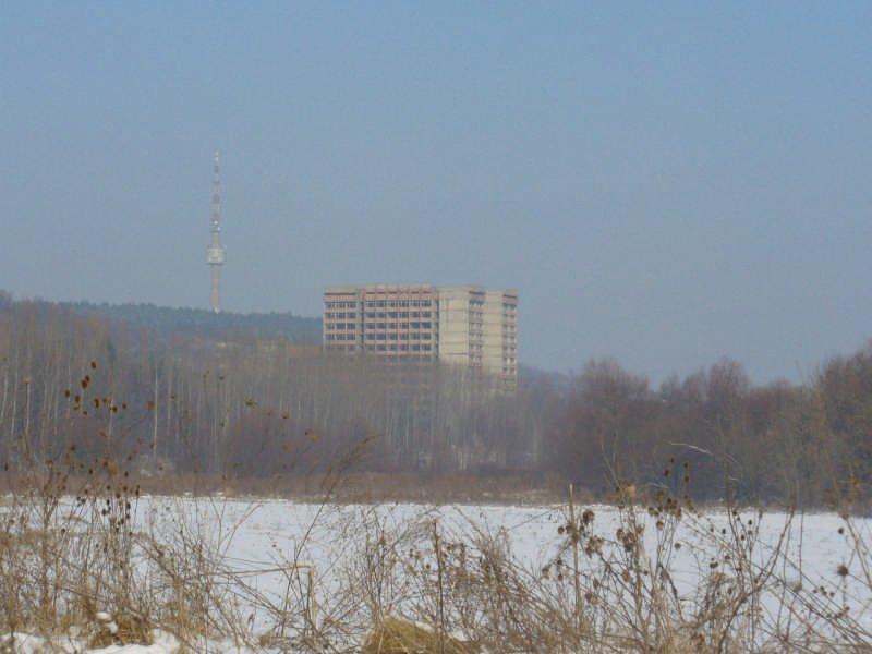 Незавършената болница край Силисра