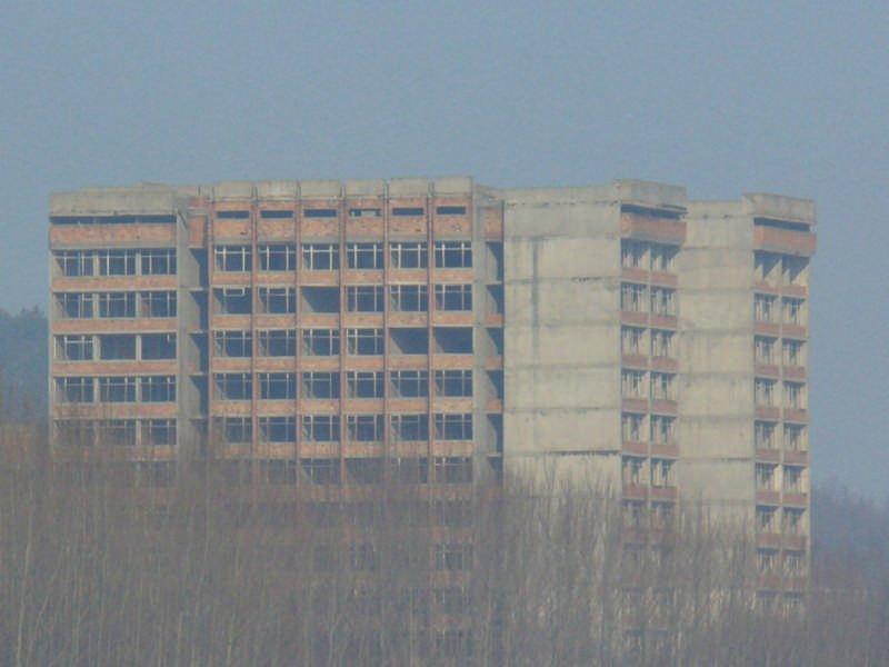 Незавършената болница