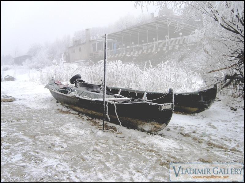 Зима край река Дунав