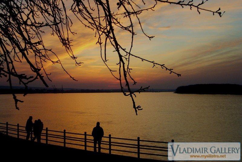Залез над река Дунав