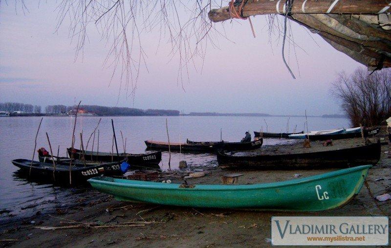 Лодки край река Дунав