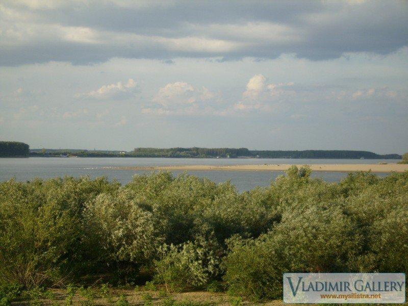 Река Дунав край самолета