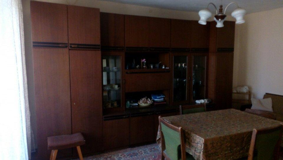 Продава апартамент