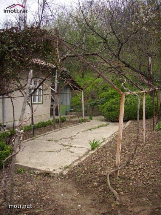 Продавам къща в село Ветрен, област Силистра