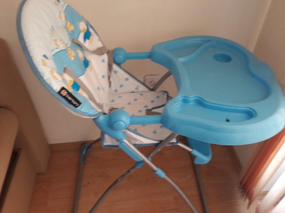 """Продавам детско столче за хранене """"bertoni"""""""