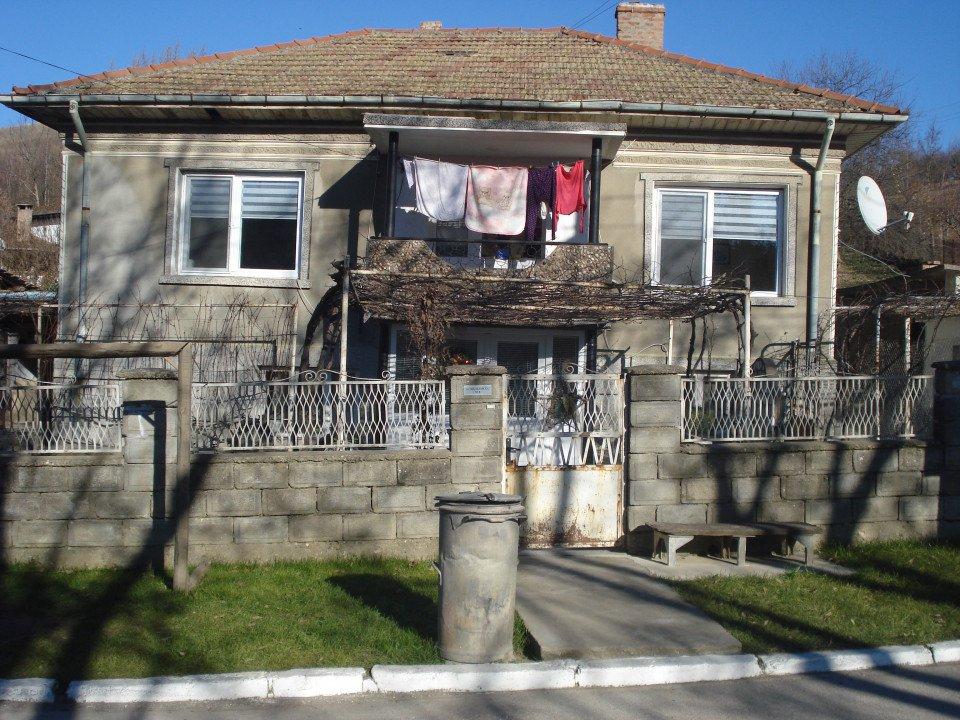 Къща в с.Калипетрово-Център