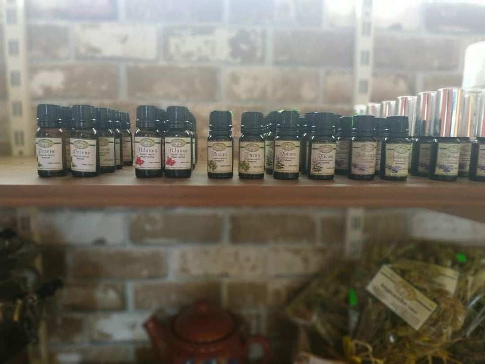 Български билки и етерични масла