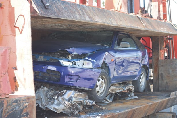 Купуваме развалени,изгнили,ударени коли в София