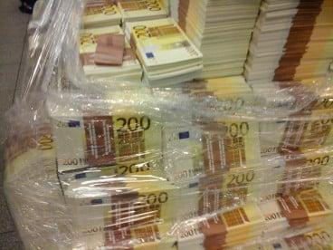 Финанси за физически лица в България